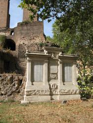 Monumento ai caduti a Piazza Vittorio